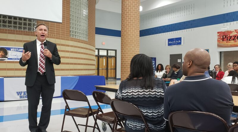 Superintendent Looney to Visit Cliftondale Community Club